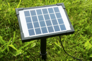Solarpanel mit Erdspiess